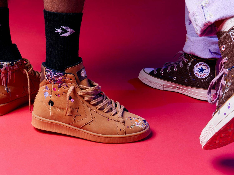 Converse x Bandulu La vera arte della falsificazione: Bandulu porta il lusso street bootleg su Chuck 70, Pro Leather e una collezione di abbigliamento in edizione limitata.