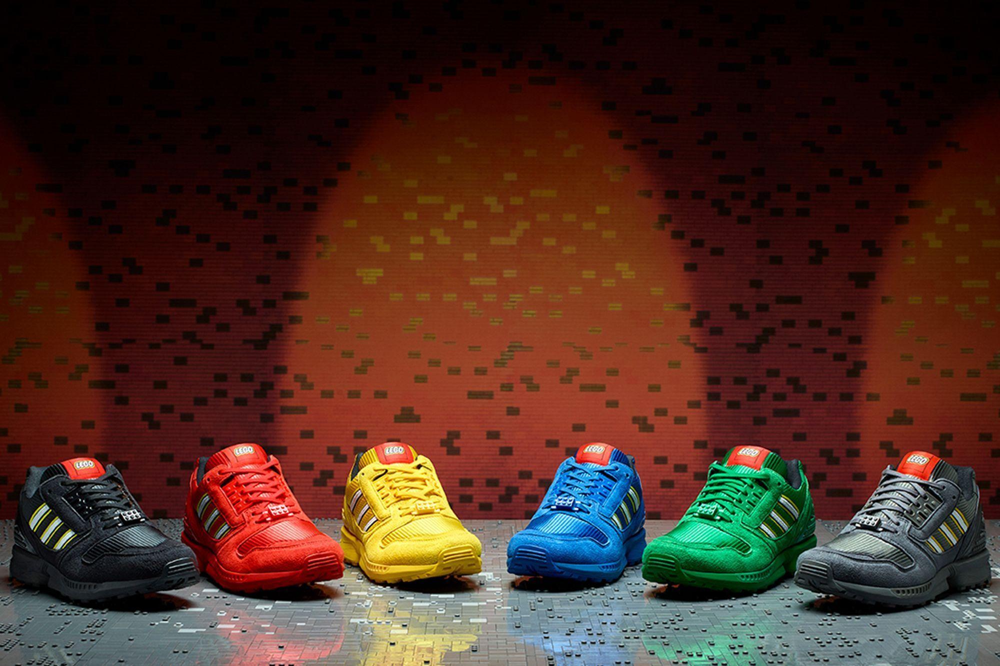 Adidas Originals ZX8000 x LEGO Dopo essersi incontrati per la prima volta durante la storica A-ZX, questa stagione adidas Originals e il LEGO Group presentano la collezione ZX 8000 Bricks.